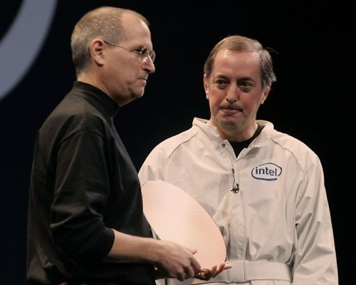 Otellini en Jobs presenteerden in 2006 Intel-chips voor de Mac.