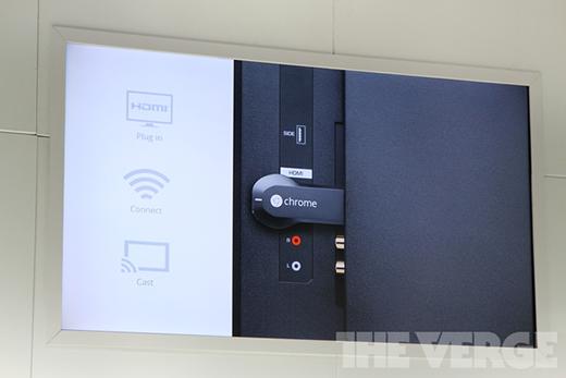 De dongle draait een aangepaste versie van Chrome OS (plaatje: theverge.com)