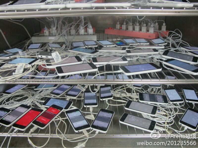 iPhone 5C's op de testbank in China.