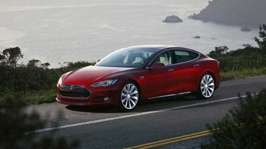 De Tesla S is een van de bekendere elektrische auto's van de gelijknamige fabrikant.