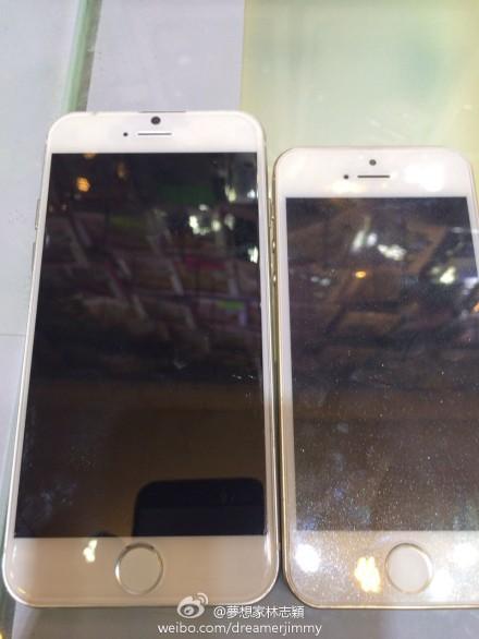 Voorkant iPhone 6 naast iPhone 5s.