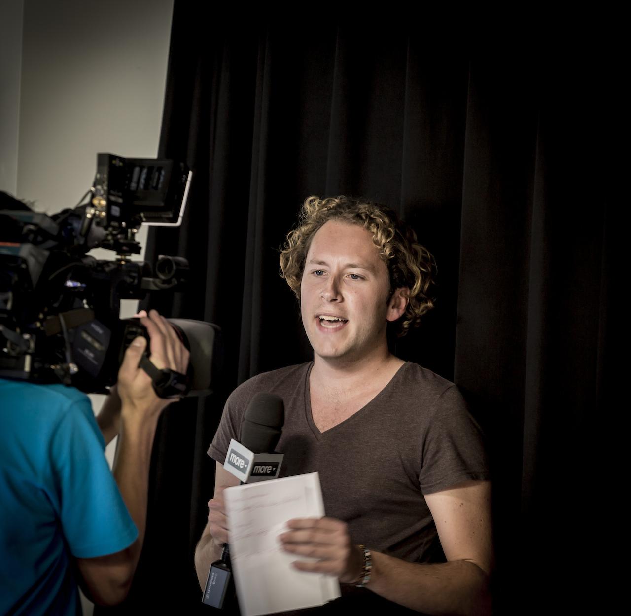 Jesse nam de laatste verwachtingen uit de grote OMT Apple Event Poll door.