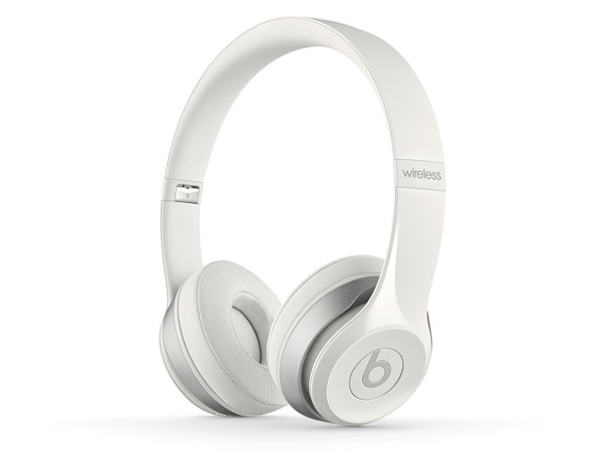 solo2-wireless-white-quarter