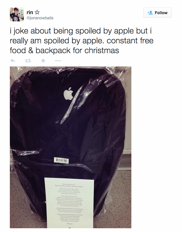 apple-backpack-incase-gift-twitter