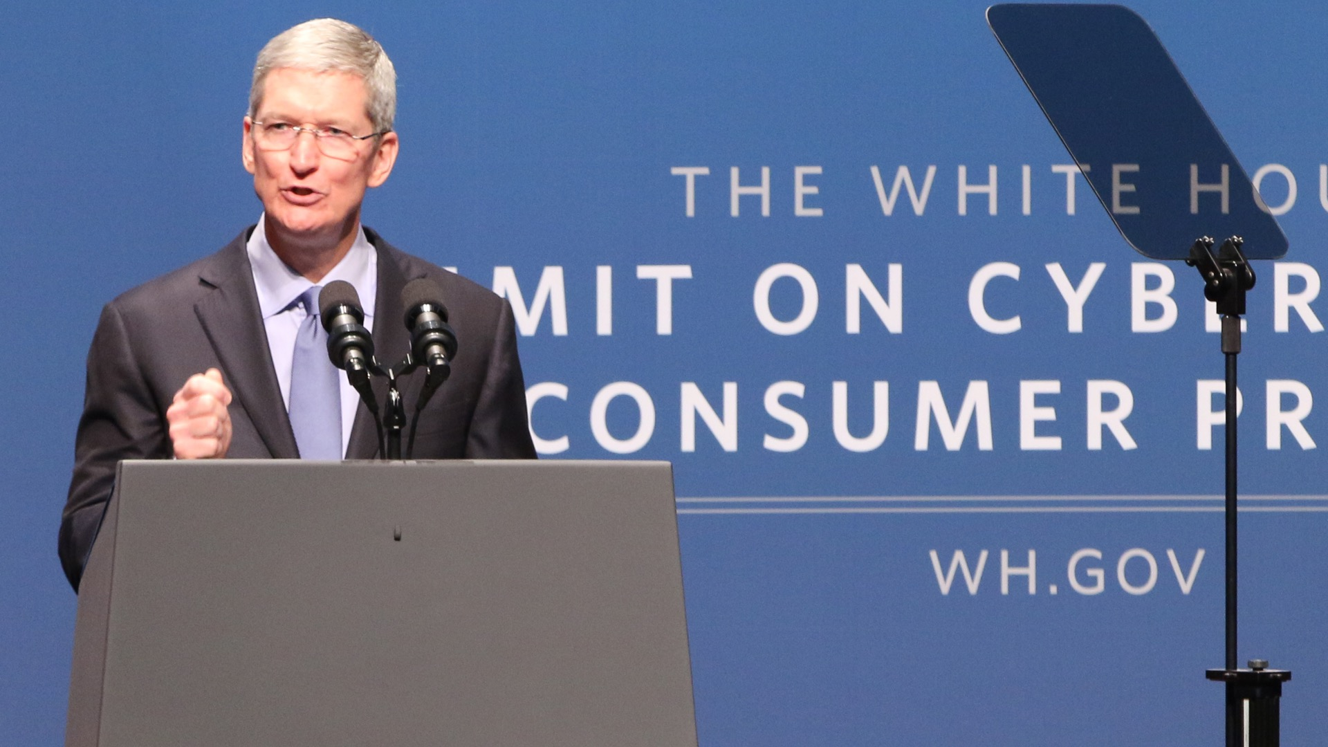 tim cook white house 2015