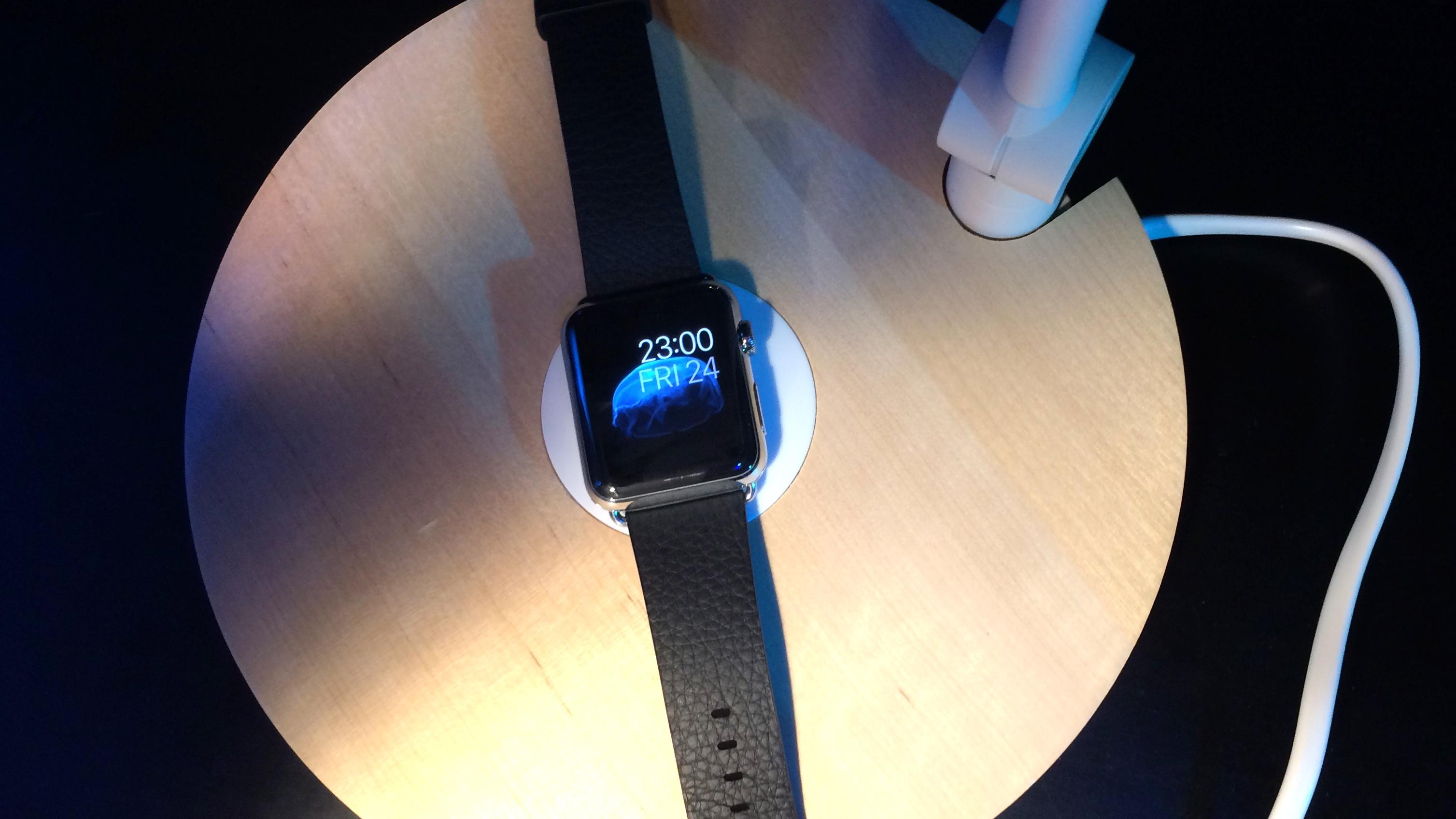 apple-watch-ikea-lamp