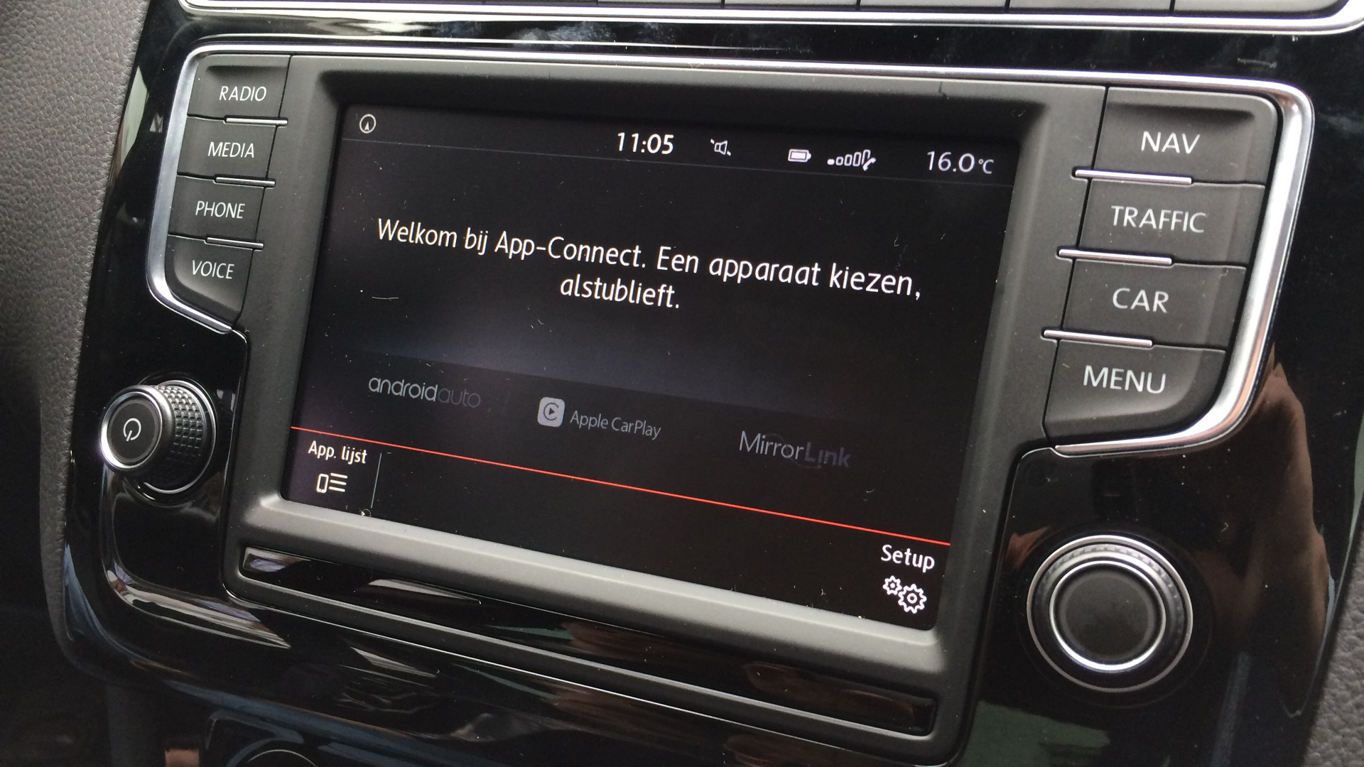 vw-carplay-2-16x9