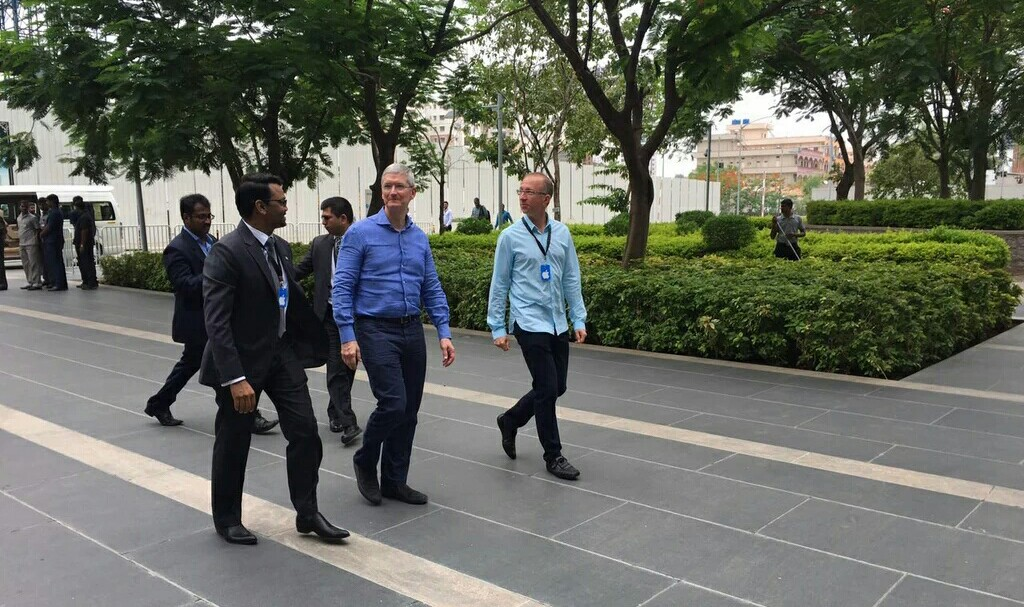 tim-cook-india-campus