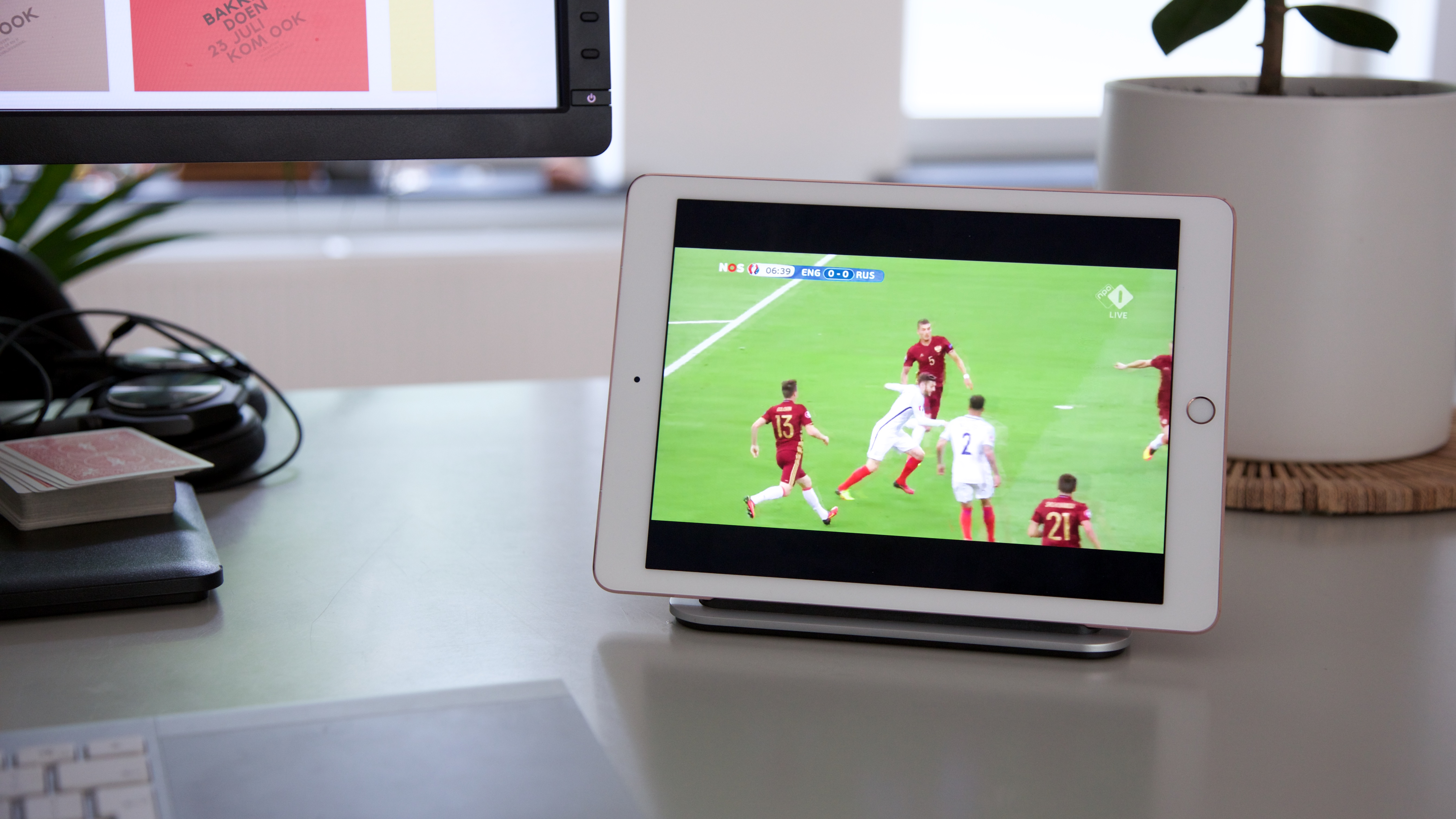 De Logi Base maakt van je iPad pro het ideale tweede scherm