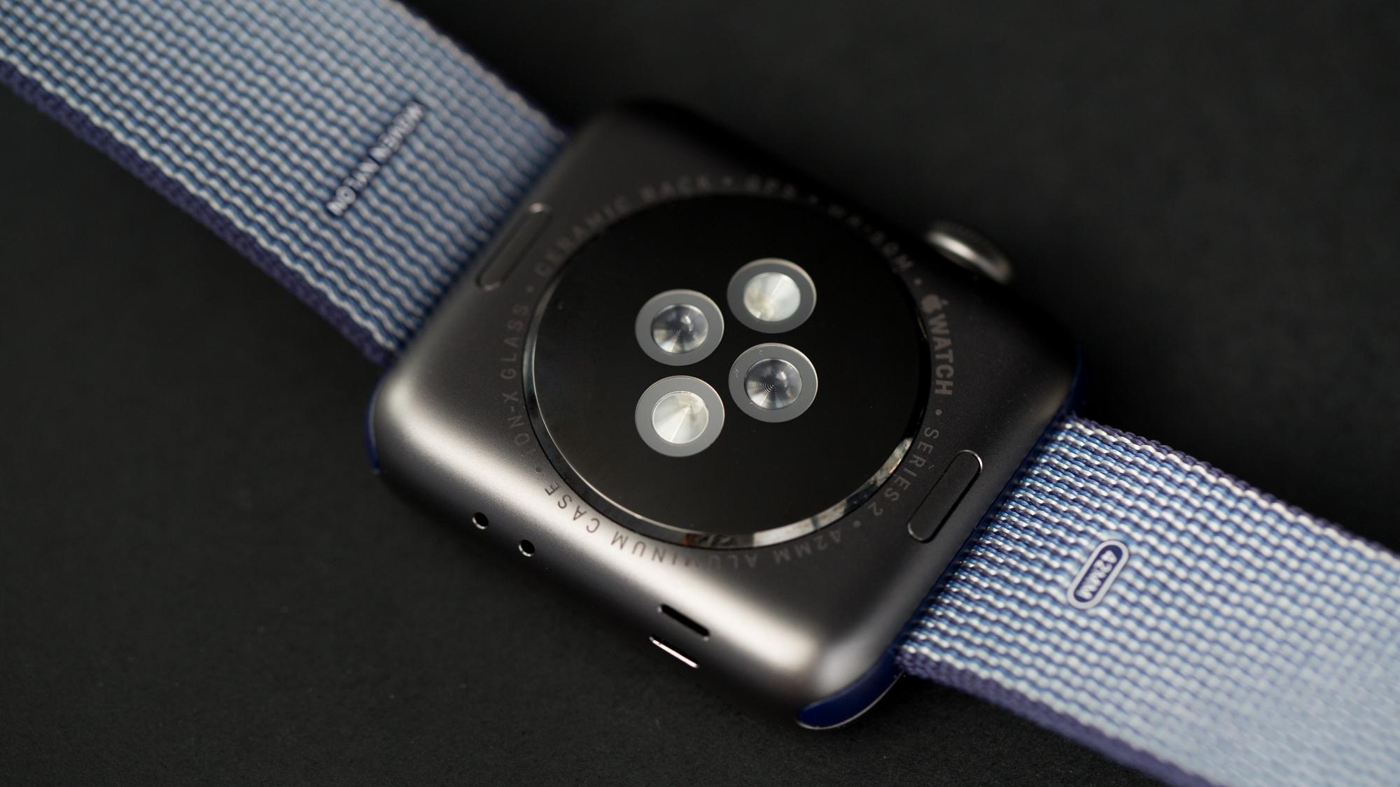 watch2-achterkant-16x9