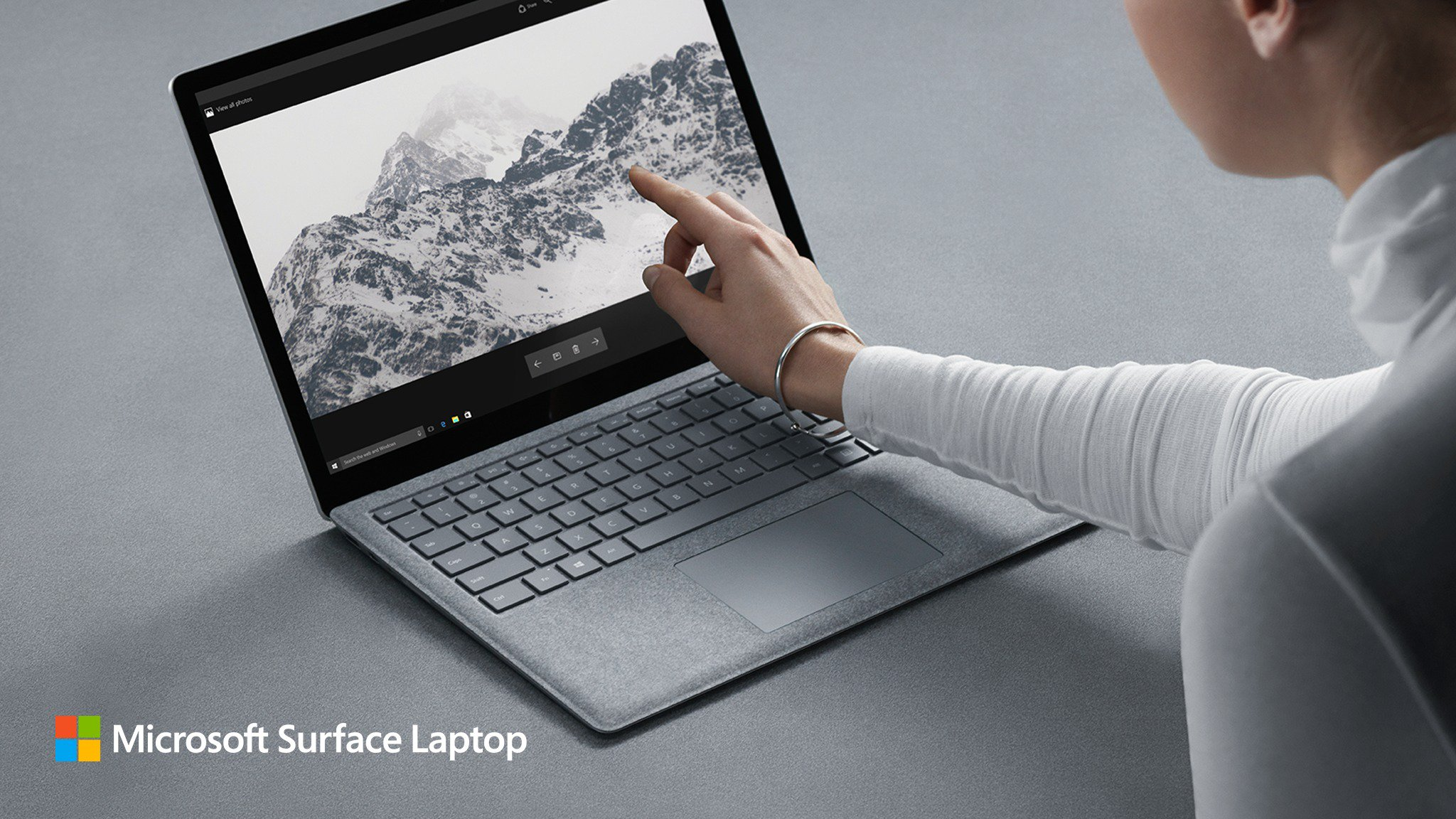 surface laptop 002