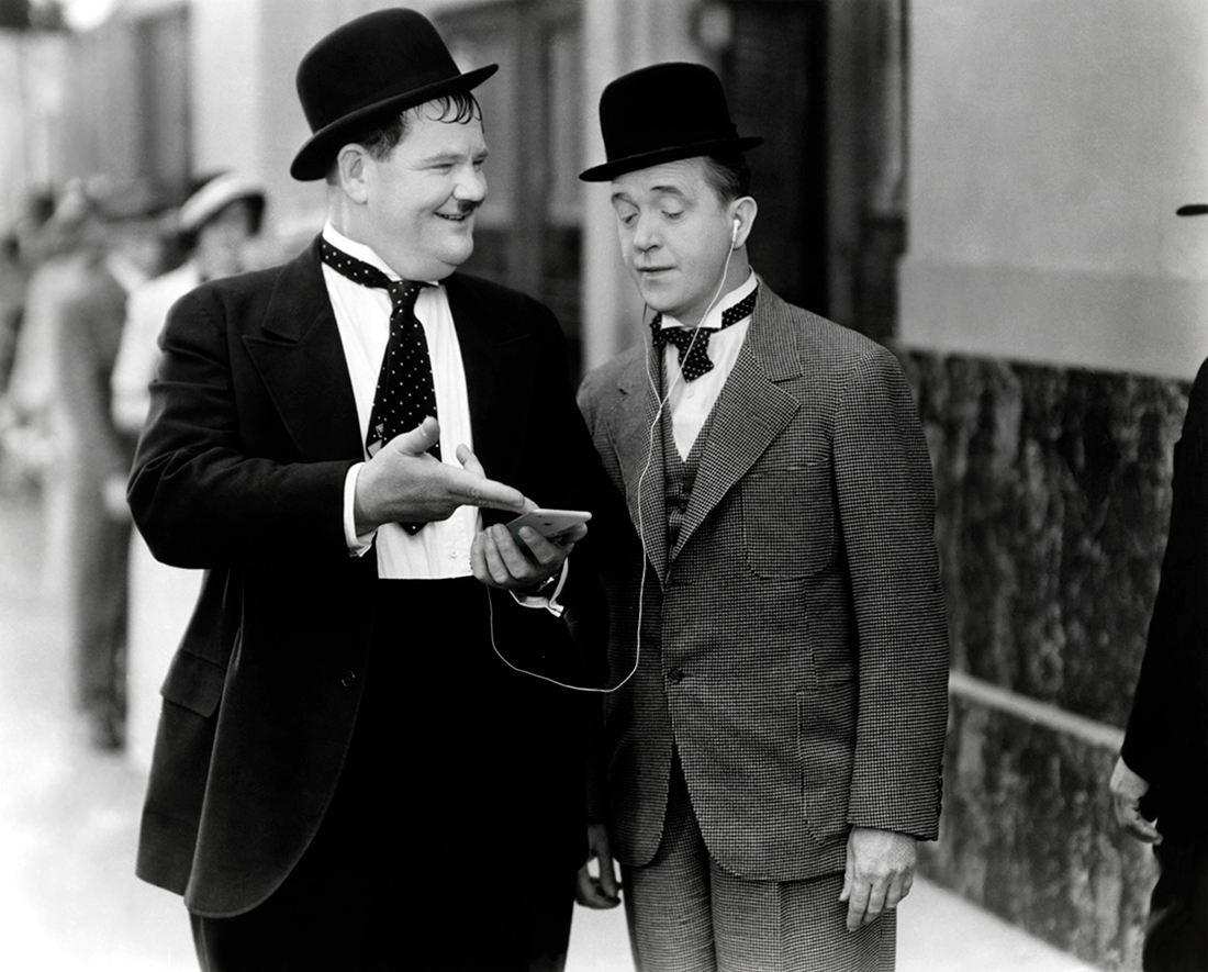 Laurel and Hardy 1935 iPhone 7 EarPods