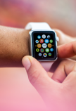 Apple Watch Arm 16x9
