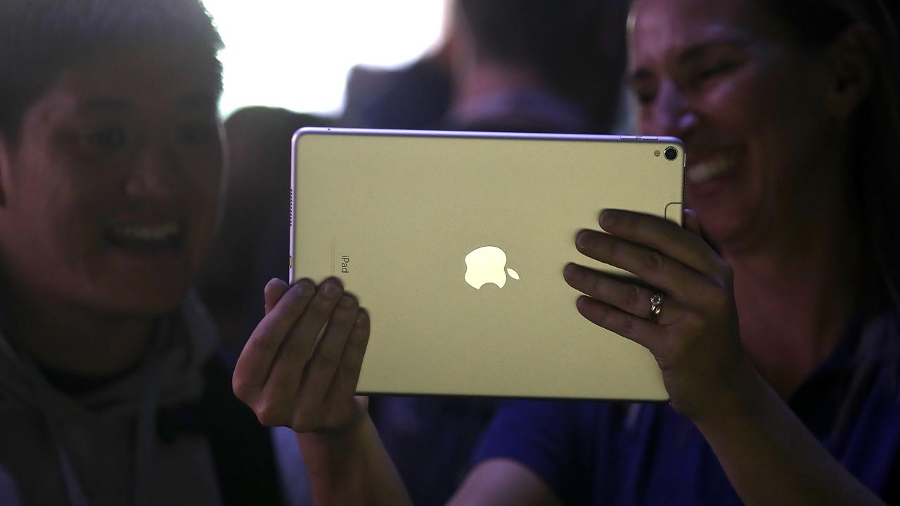iPad Pro mensen 16x9