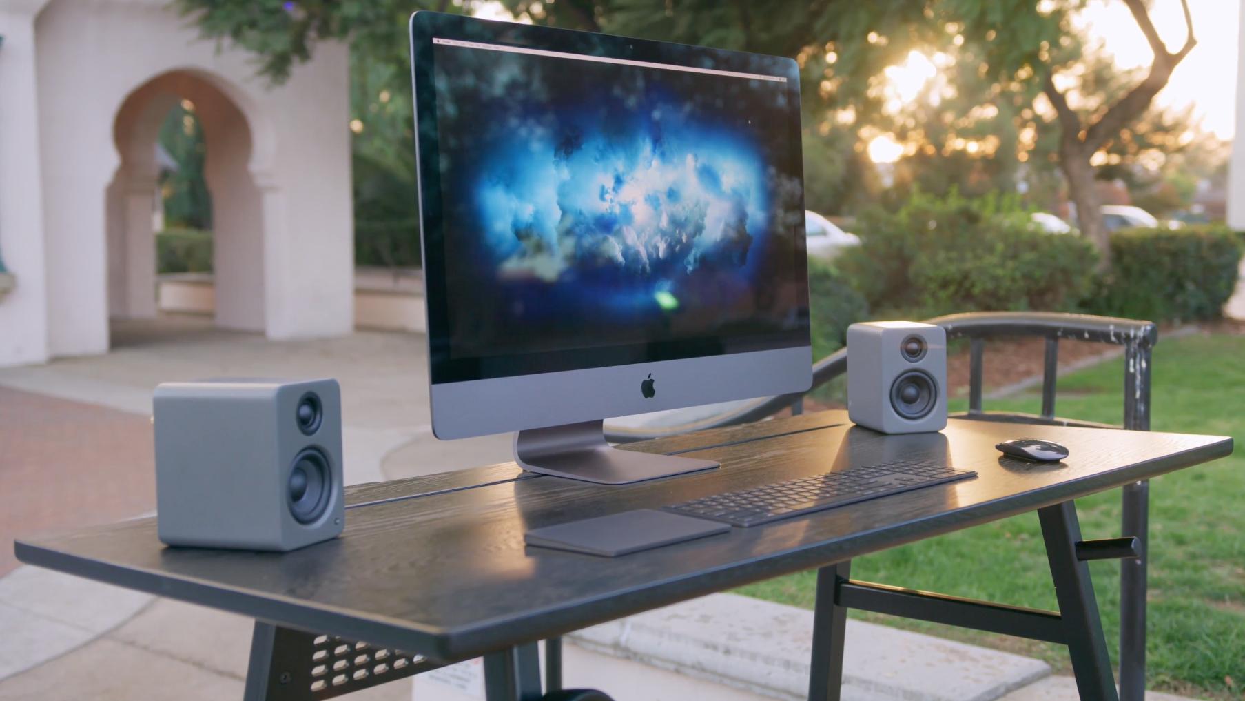 iMac Pro buiten 16x9