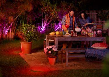 Philips Hue Outdoor Lampen.Philips Breidt Hue Outdoor Uit Met Nieuwe Sensor En Lampen