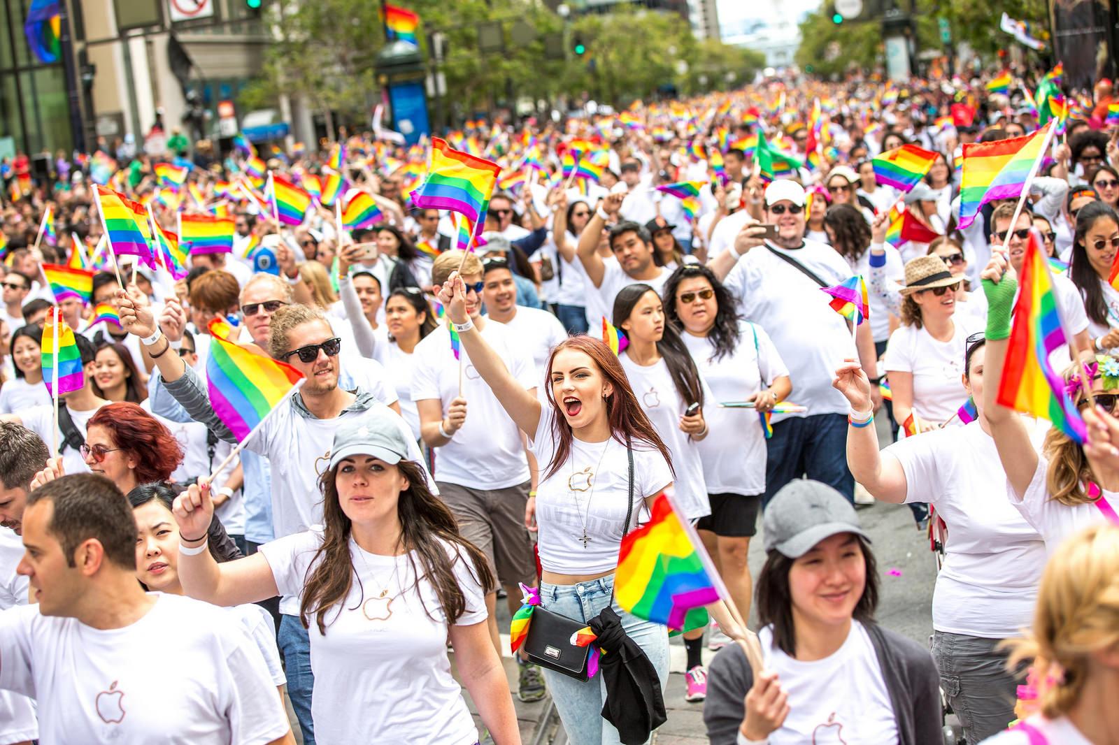 Apple Pride 2015
