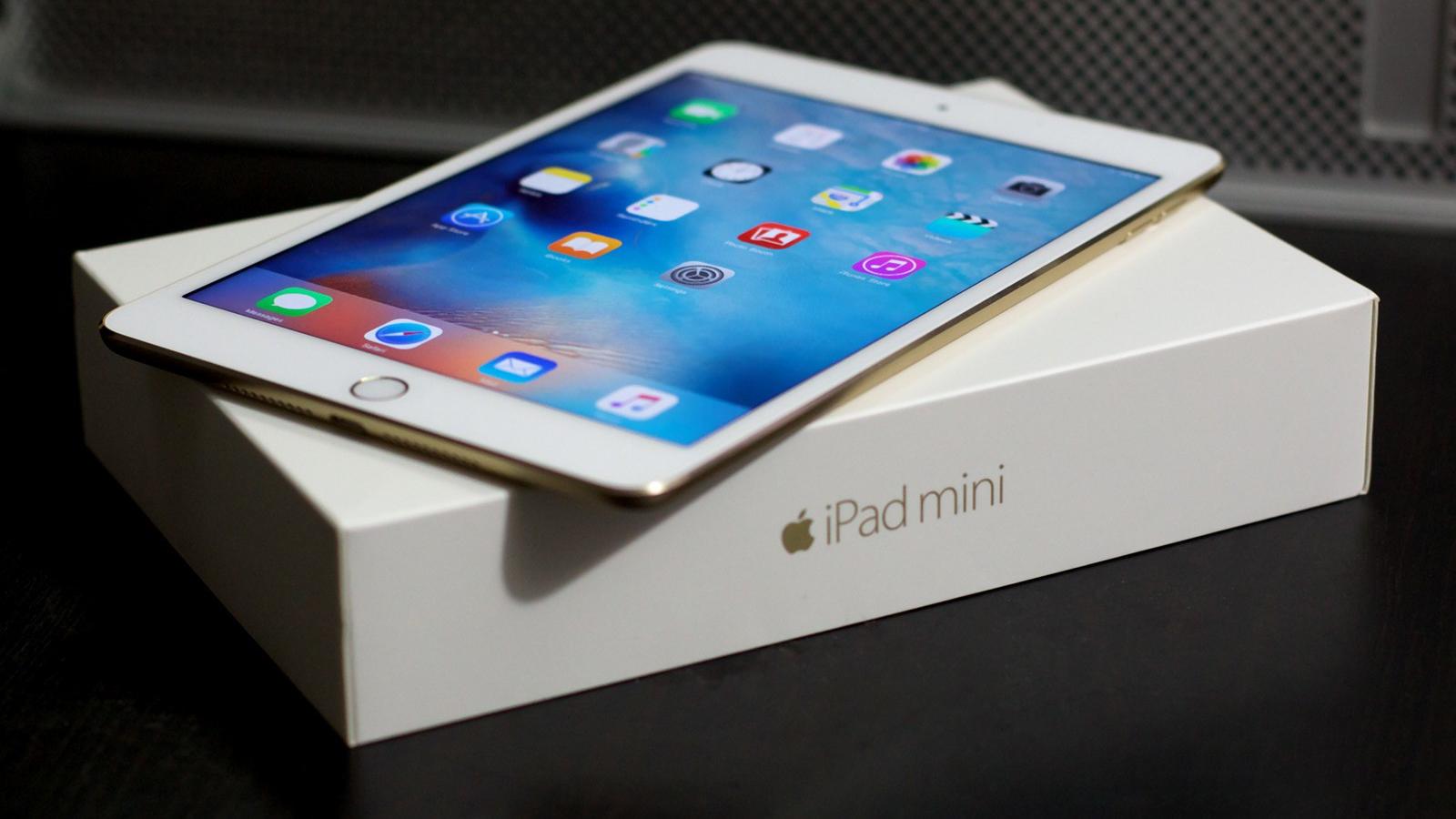 iPad mini 4 in doos 16x9