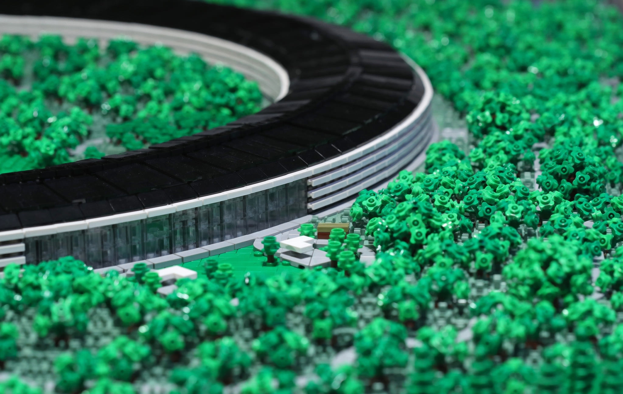 Apple Park Lego zoom