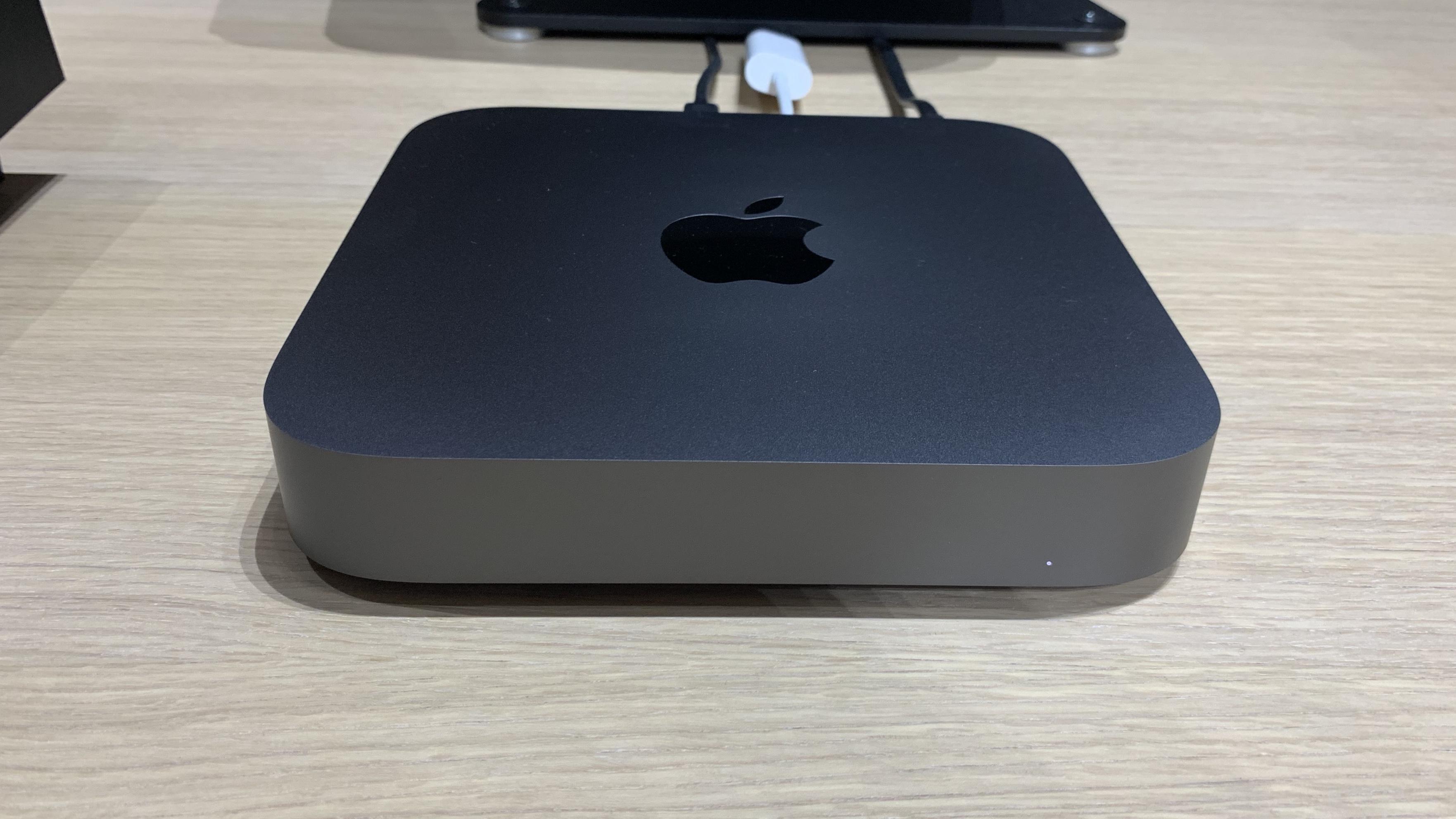 Mac mini 2018 - 001