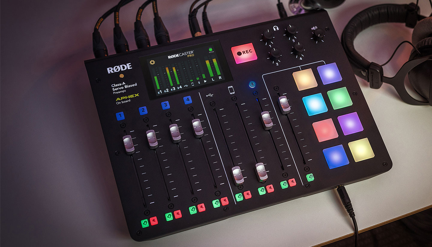 RØDECaster Pro podcast console