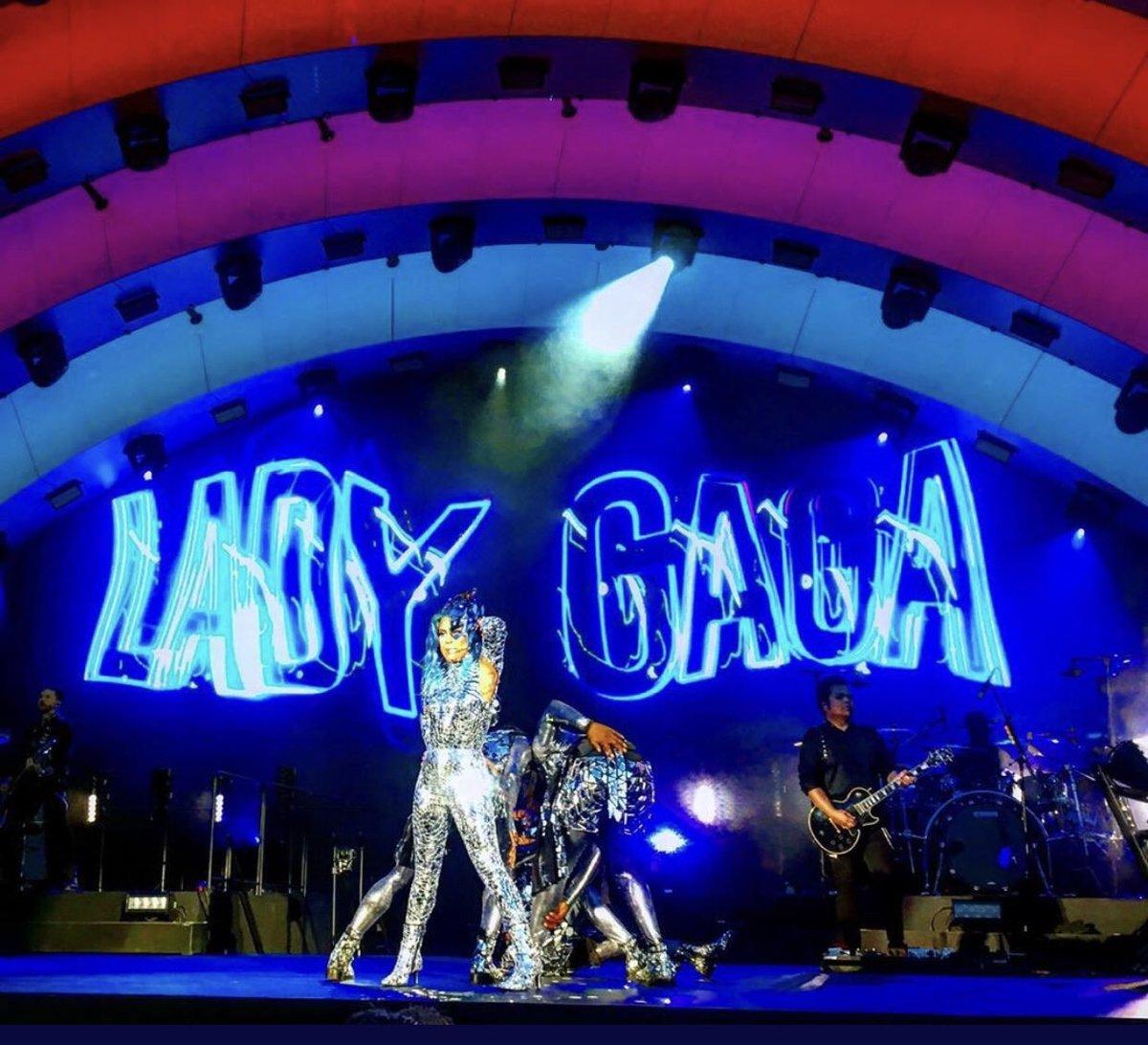 Lady Gaga op Apple Park
