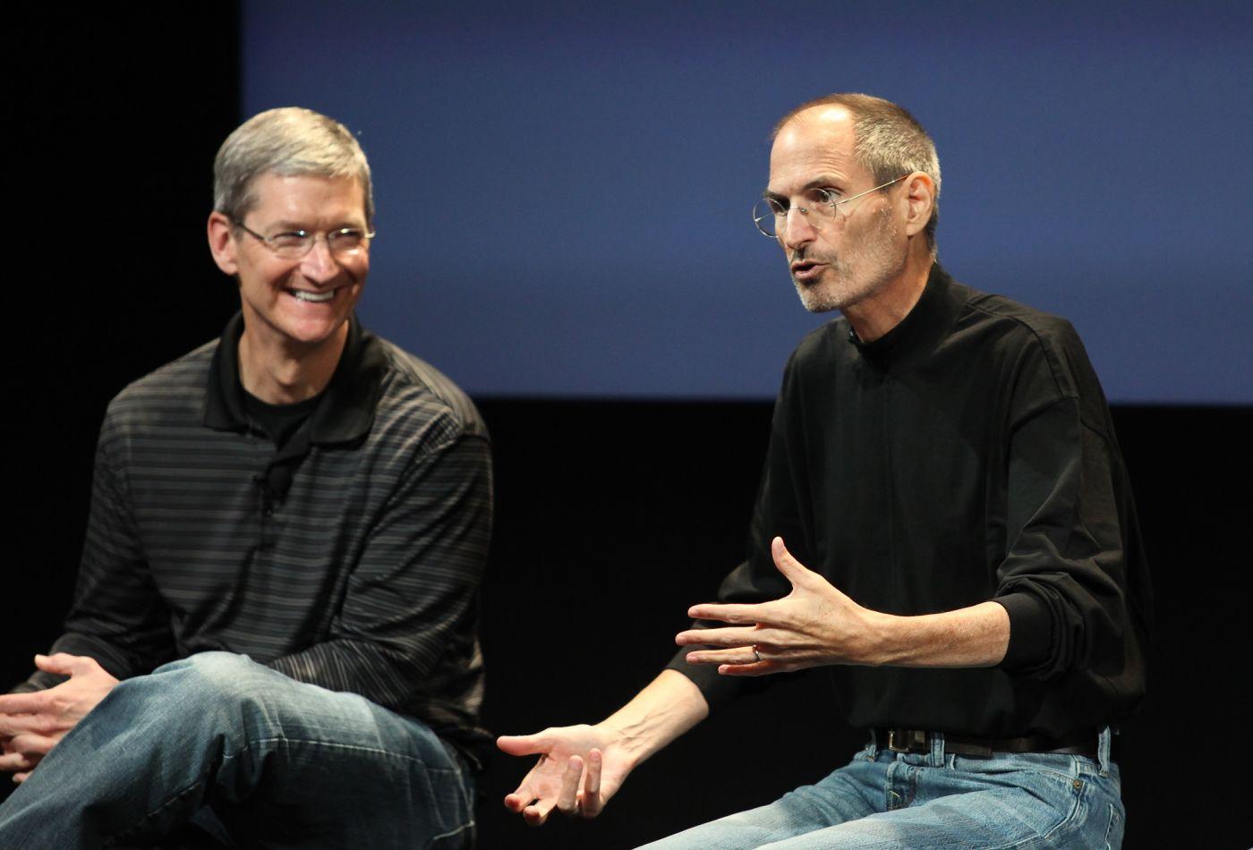 Tim Cook vs Steve Jobs