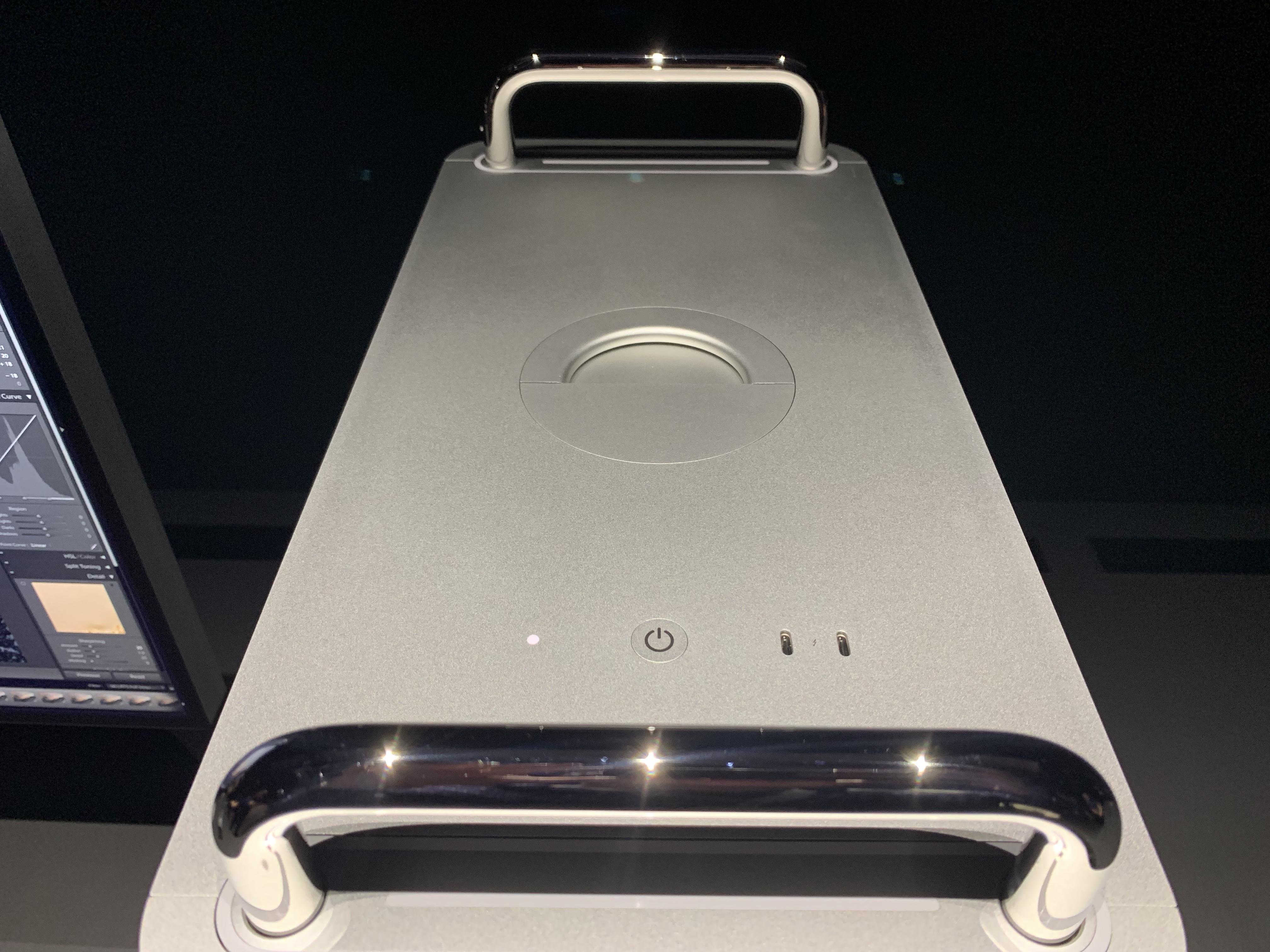 Mac Pro 2019 van boven 001