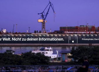 Apple iPhone Privacy billboard Hamburg