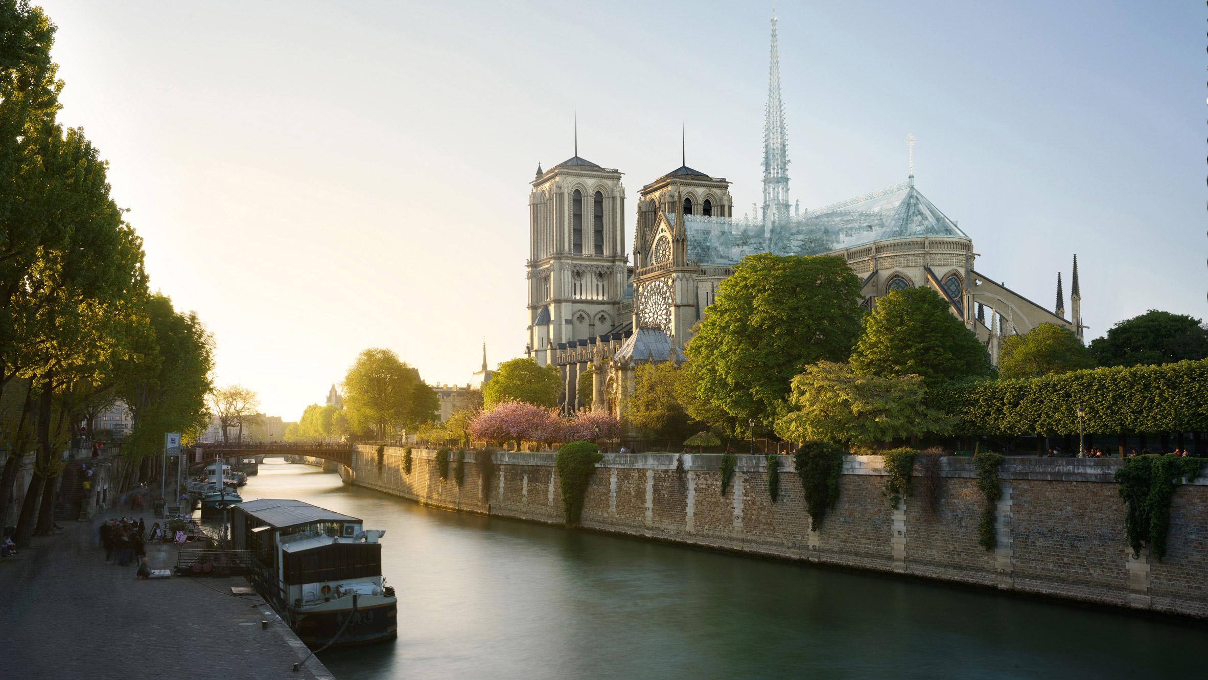 Notre-Dame met glazen constructie van Apple Store