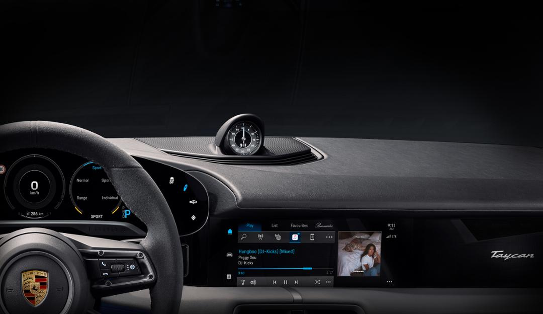 Interieur Porsche Taycan Apple Music