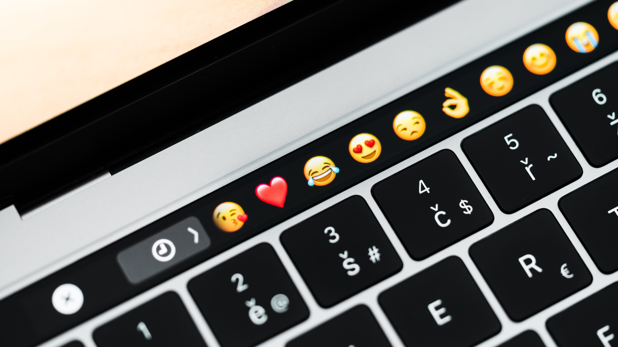 emoji macbook pro touch bar 16x9