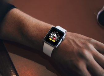 watchOS 6.0.1 Mickey Mouse 16x9