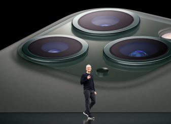 Tim Cook demonstreert de camera van iPhone 11