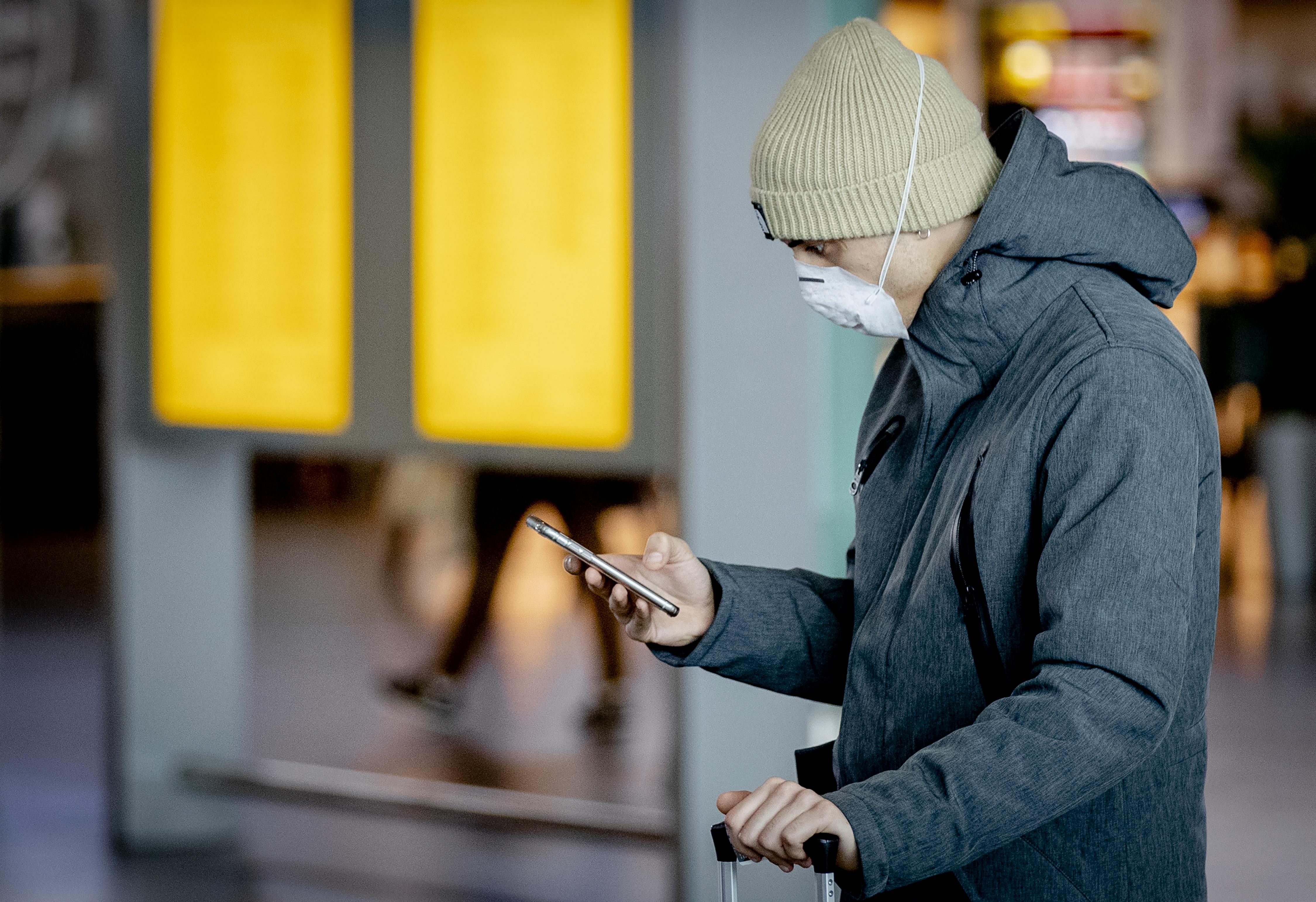 Corona-apps Bluetooth Sem van der Wal ANP