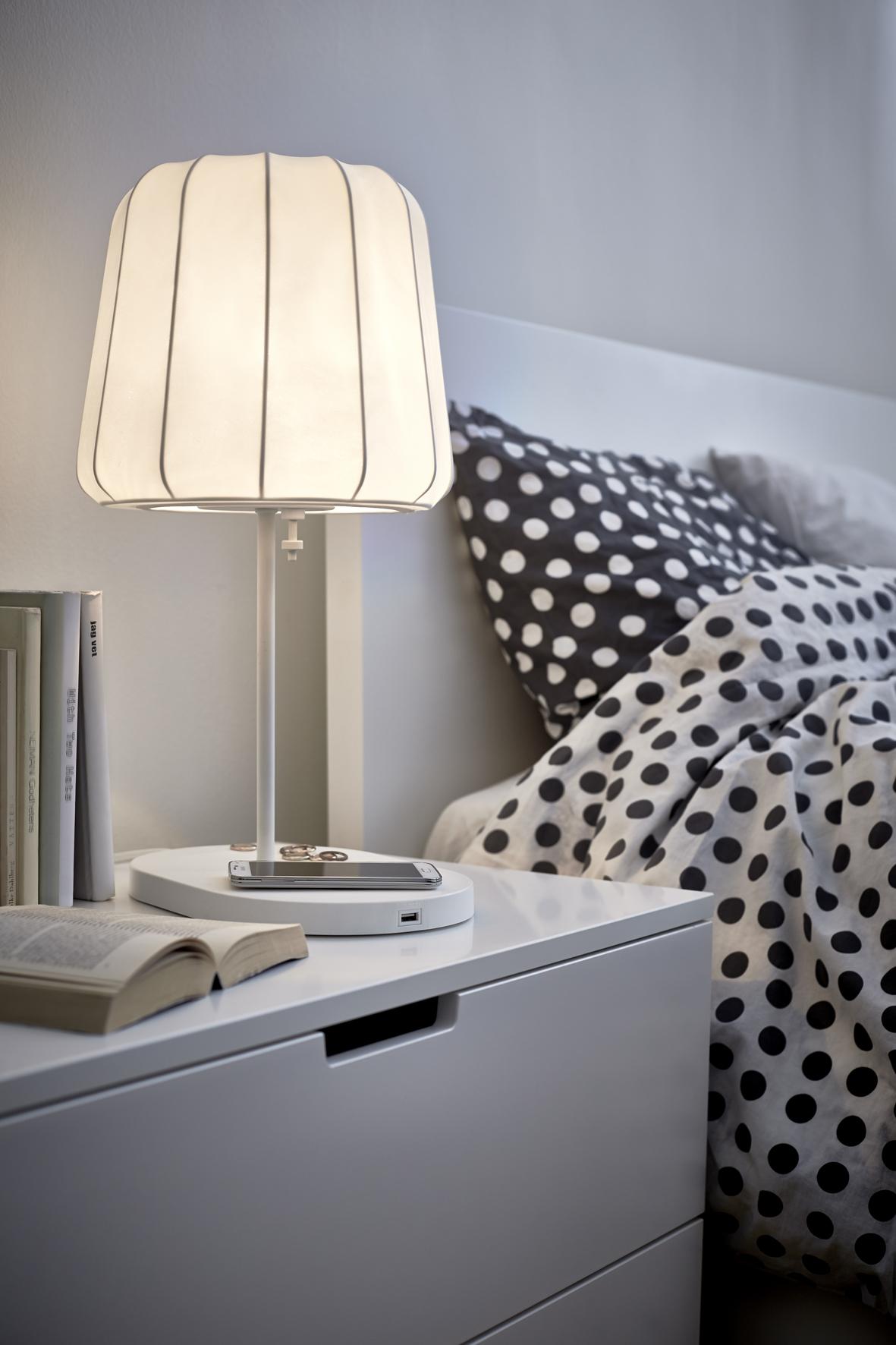 Praktisch Ikea Verkoopt Nu Meubels Met Ingebouwde Opladers One More Thing